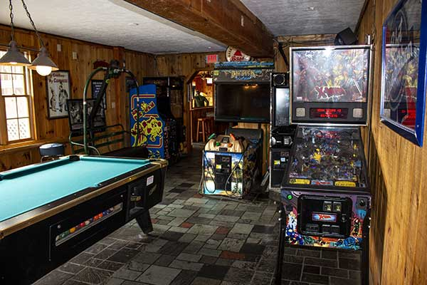 game-room-arcade-games-lookout-killington